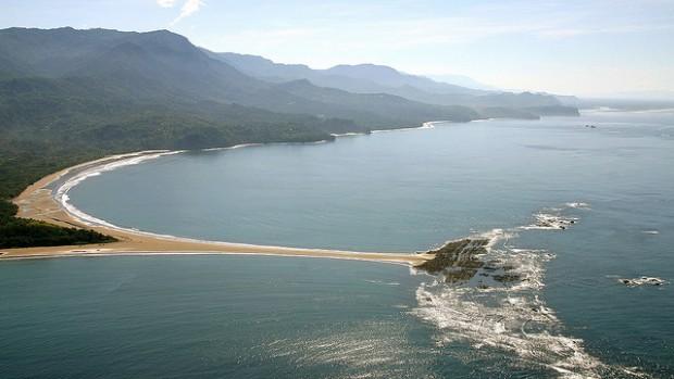 Best beaches in costa rica for Black sand beaches costa rica