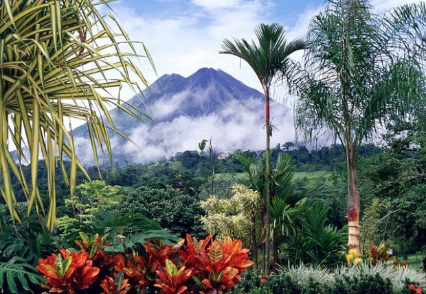 10-reasons-live-costa-rica