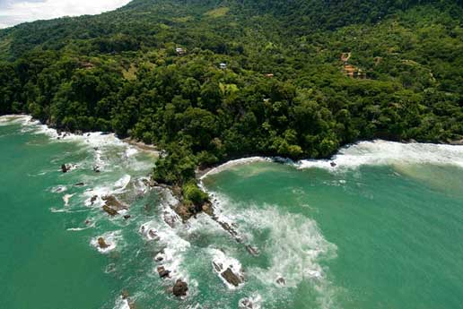 dominical costa rica where the jungle rises from the sea