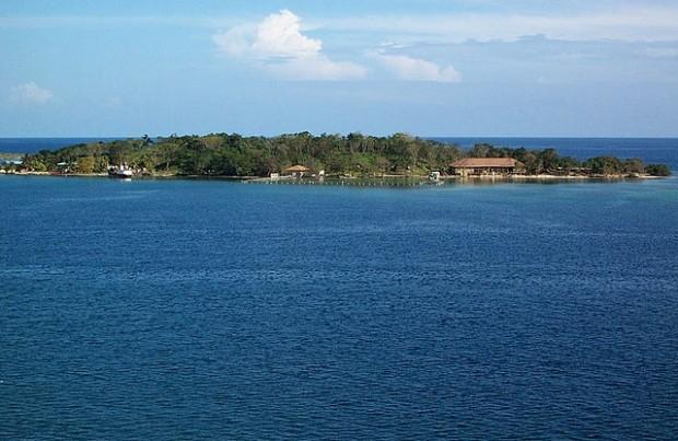 buying an island in Honduras